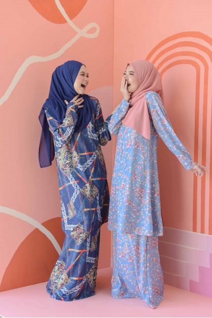 ARIANA KURUNG - BLUE ABSTRACT